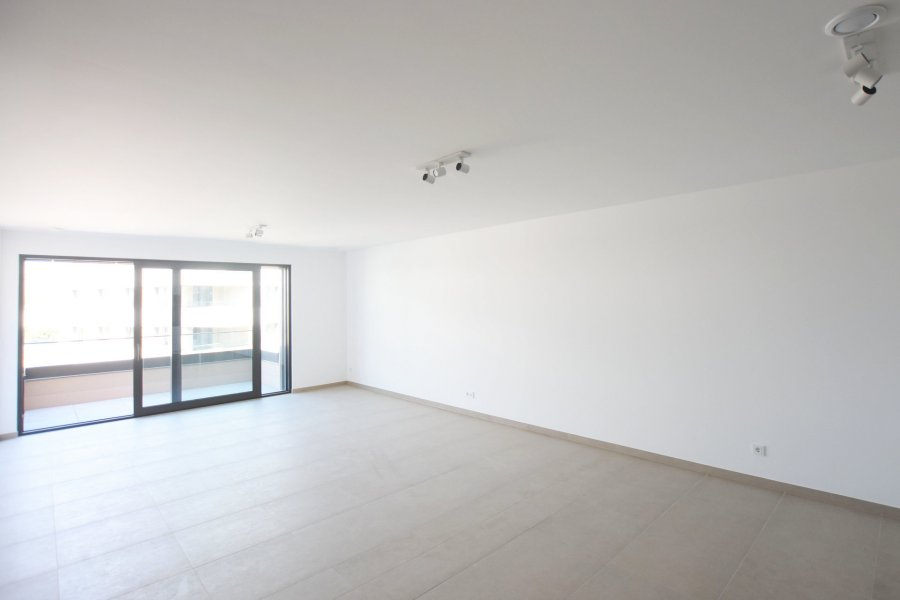louer appartement 2 chambres 87.2 m² strassen photo 2