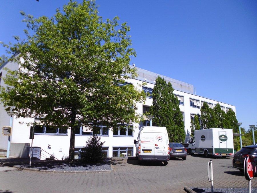 louer bureau 0 chambre 549 m² bertrange photo 1