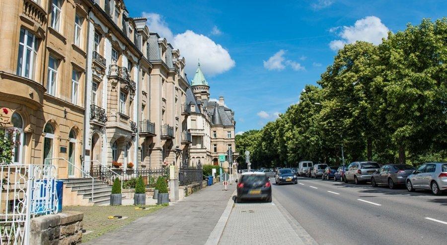 Maison à vendre 5 chambres à Luxembourg-Gare
