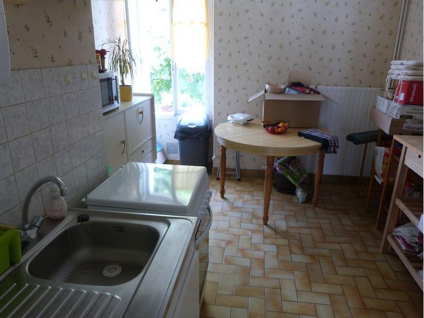 Appartement à louer F2 à Chateau du loir