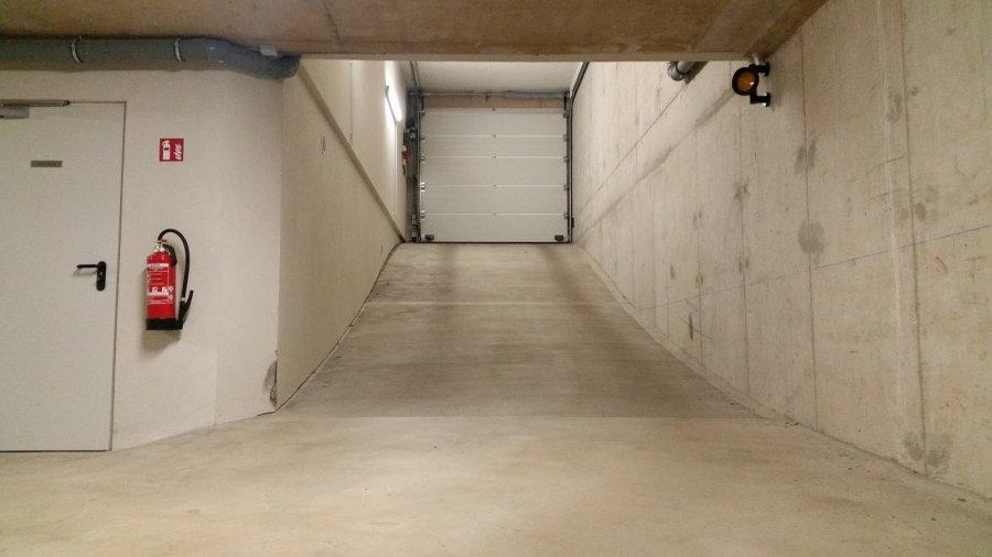 louer garage fermé 0 chambre 0 m² lintgen photo 3