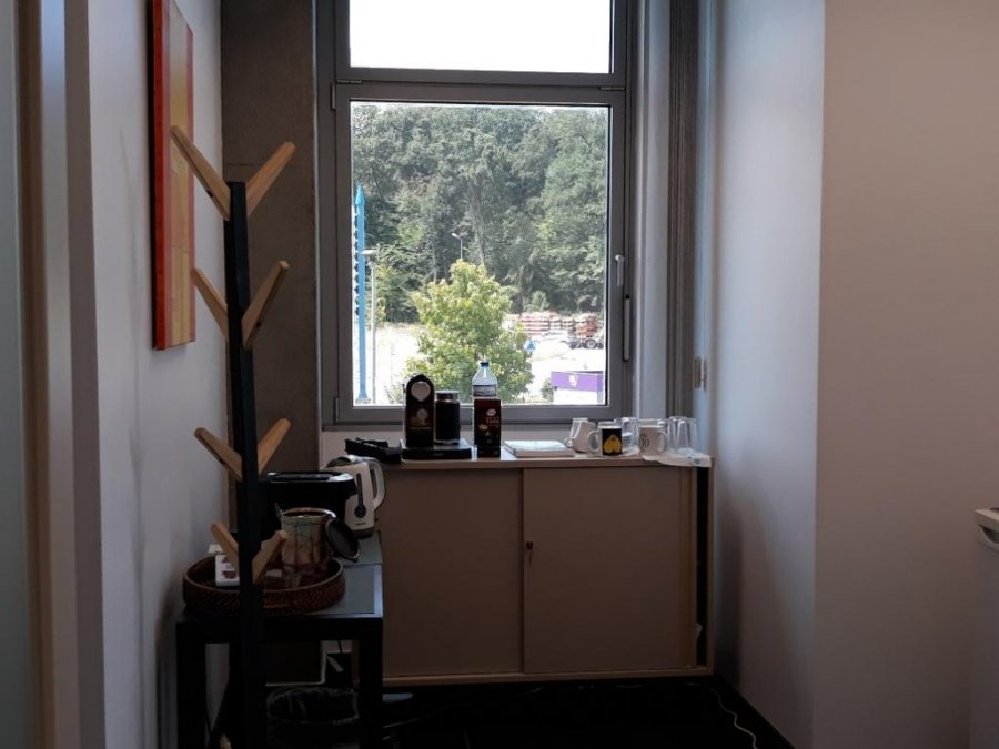 louer bureau 0 chambre 0 m² contern photo 4