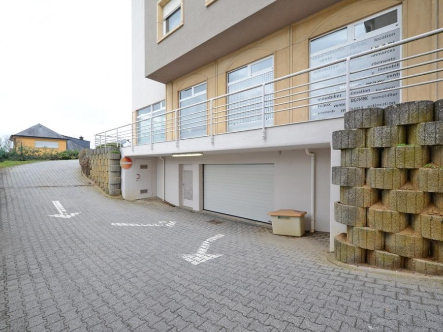 louer entrepôt 0 chambre 365 m² sandweiler photo 5