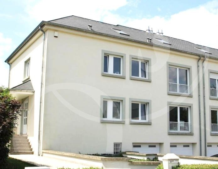 louer maison 5 chambres 290 m² bertrange photo 1