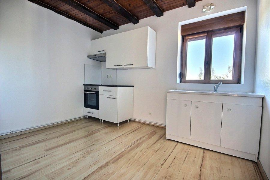 louer appartement 3 pièces 62 m² saint-privat-la-montagne photo 2