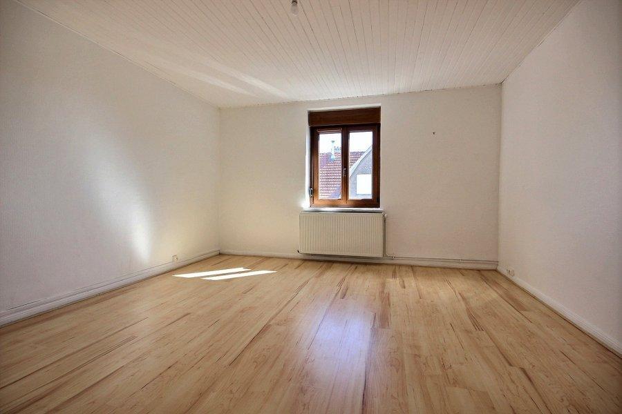 louer appartement 3 pièces 62 m² saint-privat-la-montagne photo 3