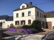 House for rent 5 rooms in Wincheringen - Ref. 6718447