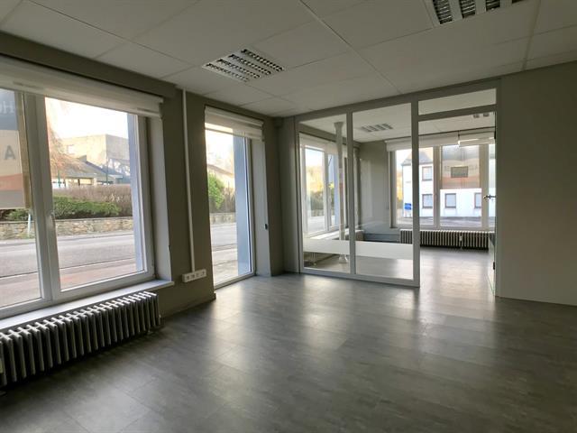 louer bureau 0 pièce 200 m² libramont-chevigny photo 2