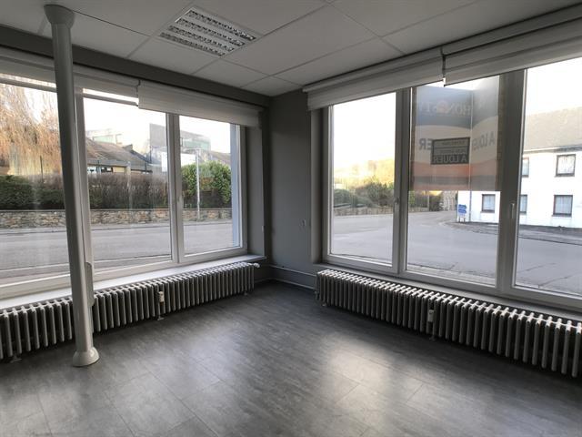 louer bureau 0 pièce 200 m² libramont-chevigny photo 4