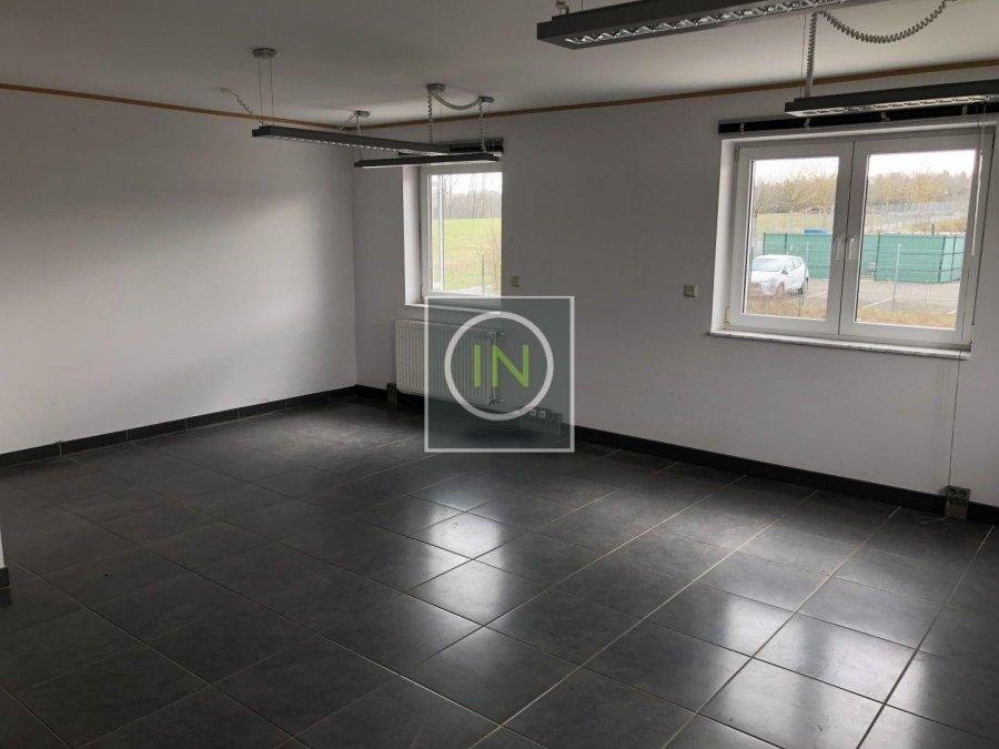 louer bureau 0 chambre 350 m² contern photo 7