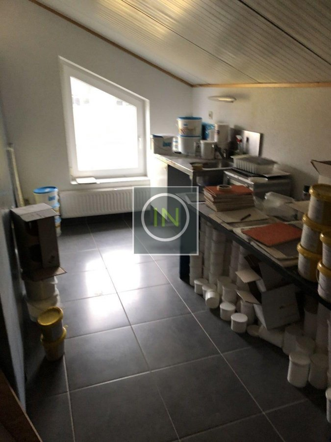 louer bureau 0 chambre 350 m² contern photo 6