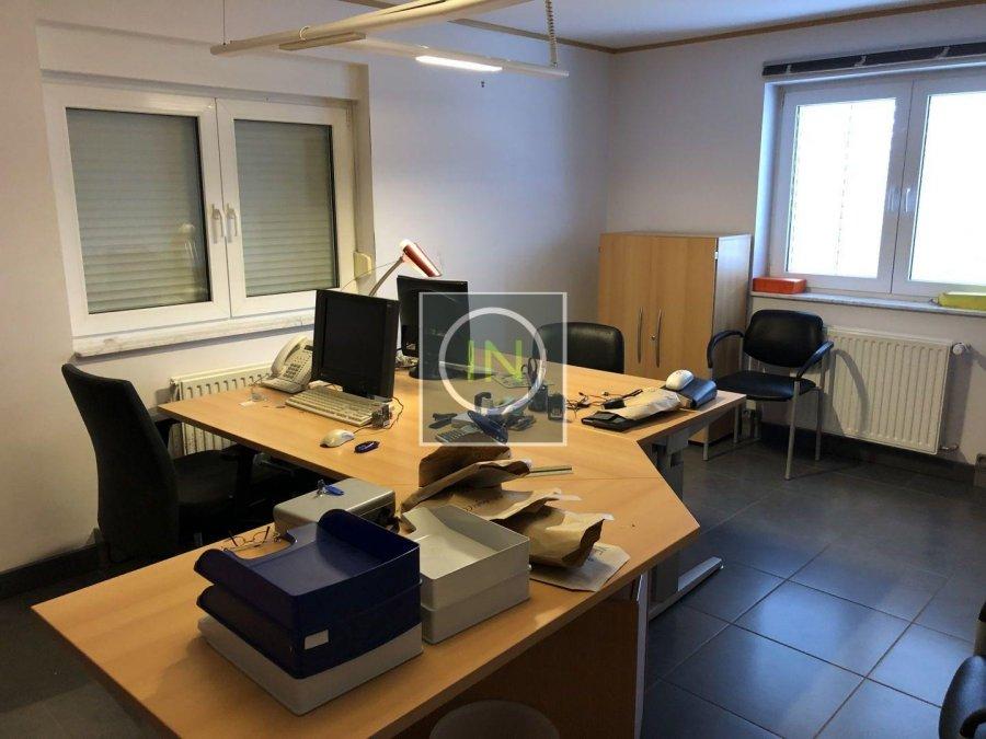 louer bureau 0 chambre 350 m² contern photo 4