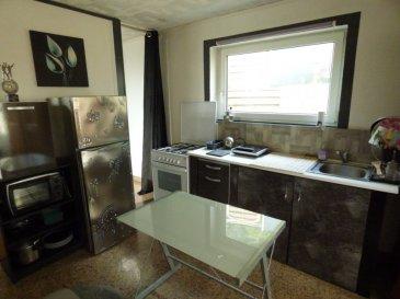 Petite maison F2 meublée à Fameck. Au calme, petite maison meublée  de 39 M2 avec jardin.<br/>60 euros  charges (eau froide, électricité)