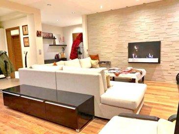 !!!!!!!!!!!!!!!!!! À découvrir absolument !!!!!!!!!!!!!!!!!!<br><br>ImmoNordstrooss à le plaisir de vous presenter cet magnifique appartement de +/- 90 m2 rénové en 2009/2010 (Isolation pour améliorer la classe énérgetique, parquet bois américain , cuisine , peinture ....) et la façade de l\'immeuble, toiture et tuyauterie en 2019.<br>Situé au premier étage avec ascenseur et proche de toutes commodités, cet appartement se compose comme suit:<br><br>- Hall d\'entrée<br>- Grand living/séjour avec cheminée à l\'éthanol <br>- Cuisine entièrement équipée ouverte sur l\'espace de vie (possibilité de transformation en cuisine fermée).<br>-Deux chambres( 16m2 et 11m2 )une avec accès au balcon et l\'autre avec planché neuf.<br>-Salle de bain avec meuble très design , baignoir et télé avec emplacement protégé contre l\'eau.<br>- WC séparé <br>Une cave , buanderie , un garage boxe et emplacement extérieur complètent ce beau bien.<br><br>Pour plus de renseignements ou une visite (visites également possibles le samedi sur rdv), veuillez contacter le 661 791 504