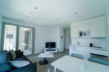 LIVINGFORM FORM Real Estate vous propose un magnifique appartement d'une surface de 40 m2 et d'une terrasse de +/- 6m2, le tout situé au 3ème étage dans le nouveau quartier de la Cloche d'Or.  Le bien dispose d'une cuisine entièrement équipée et d'une salle de bains.  L'appartement est loué meublé (Canapé, télévision, table / chaises, dressing, etc) ainsi que tous ustensile de cuisine.   De plus l'appartement est loué avec une cave privative et un emplacement intérieure.   Loyer : 1.600 € Charges : 175 € Caution : 4.800 € (3 mois de loyer)   Pour de plus amples informations et pour toute visite, n'hésitez pas à nous envoyer votre demande de contact par mail : info@livingform.lu