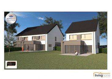 LIVINGHOME immobilier vous présente en collaboration avec l\'entreprise ROMABAU le futur projet de 3 maisons de haut standing, situé dans le village de Wincrange, au Nord du Grand-Duché de Luxembourg.<br><br>Les maisons LOT 1, LOT 2 et LOT 3 sont situées sur un terrain plat avec vue dégagée vers l\'arrière. <br><br>Le LOT 2 comprend:<br>- surface terrain: 4,65 ares<br>- surface habitable net Rdc + Etage 130,79 m2<br>- surface totale : 233,62 m2<br><br>Prix de vente:<br>EUR   797.768,68 TTC 3% <br>(après acceptation de l\'Enregistrement)<br><br>Ce prix ne comprend pas les combles! Ceux-ci sont facultatifs. Les projets sont planifiés selon les besoins de chaque client. <br><br>DESCRIPTION:<br><br>REZ-DE CHAUSSEE: (54,94 m2 + 37,77 m2)<br>- Entrée principale (4,53 m2) avec WC séparé (1,60 m2)<br>- living/salle à manger/cuisine (48,81 m2) avec accès sur terrasse (29,40 m2) et jardin <br>- Garage pour 2 voitures, technique et buanderie (37,77 m2)<br><br> ETAGE 1: (75,85 m2)<br>- Hall de nuit (13,35 m2) avec WC séparé (1,74 m2)<br>- chambre à coucher I (16,30 m2)<br>- chambre à coucher II (16,12 m2)<br>- chambre à coucher III (16,34 m2)<br>- salle de bain (12,00 m2)<br><br>COMBLES mansardées: (65,06m2) facultatif!<br>- hall de nuit (11,17 m2)<br>- chambre IV à coucher 16,30m2 (7,63 m2 à partir de 2m hauteur)<br>- chambre V à coucher 16,30m2 (7,63 m2 à partir de 2m hauteur)<br>- chambre VI à coucher 16,12m2 (7,50 m2 à partir de 2m hauteur)<br>- chambre VII à coucher 16,34m2 (7,61 m2 à partir de 2m hauteur)<br><br>ASPECTS TECHNIQUES:<br>- construction en blocs bisotherm<br>- toiture isolée recouverte de tuiles en terre cuite<br>- châssis PVC triple vitrage<br>- chauffage: chauffage sol, pompe à chaleur air-eau,<br><br>SITUATION GEOGRAPHIQUE :<br><br>WINCRANGE se trouve au nord du pays proche de la frontière belgo-luxembourgeoise avec toutes ses commodités souhaitées, école fondamentale, école de musique, activités sportives, maison relais, crèches, lycée de Clervaux, lycée 