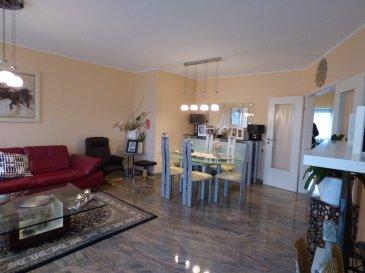 **SOUS COMPROMIS** Beau duplex 3 chambres avec terrasse à vendre à Howald en exclusivité avec une terrasse.  La surface habitable de ce duplex est de 139m² environ, répartie sur 2 niveaux : Au niveau 1 on trouve un couloir d'entrée, un grand living ouvrant sur la terrasse, deux chambres, une cuisine séparée et équipée, une salle de bain avec baignoire et un WC séparé.  Au niveau 2 on trouve un studio bien aménagé et qui se compose d'une grande pièce qui fait salon, une chambre/bureau et une salle de douche. Un garage et une cave privatifs se situent au rez-de-chaussée de la résidence.  Une buanderie, un espace vélo, un local poubelle et une chaufferie sont proposés à titre collectif.  Un très beau duplex avec terrasse, granit au sol, fenêtres double vitrages, carrelage, parquet.....très bien entretenu et avec beaucoup de charme.  A VOIR ABSOLUMENT!!!    Contacter Monia Souilmi au +352 691 212 946 ou monia.souilmi@remax.lu