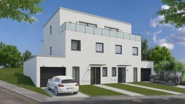 **** DOMOTIQUE INCLUS // SMART HOME SYSTEM ****  F&N Promotion sàrl vous propose cette superbe maison à Stegen, d'une architecture contemporaine érigée sur un terrain de 3.5 ares aux finitions luxueuses d'une surface totale de 229.05m2, dont une surface habitable de 157.40m2, libre de 3 cotés. À seulement 5 minutes de Schieren et 10 minutes d'Ettelbruck/Diekirch.  Elle se compose en rez de chaussée, d'un hall d'accueil de +/-13.62m2, wc séparée, living spacieux et lumineux avec une cuisine ouverte (+/-47m2) + arrière cuisine/débarras, avec accès direct à la terrasse (+/-23m2) et au jardin, et une garage avec deux emplacements.  Au premier étage, deux grandes chambres avec dressing (23.81m2 + 19.62m2), une salle de bain/douche (+/-7m2) et le palier.  Au deuxième et dernier étage vous retrouverez la suite parentale de +/-32.5m2, dont la chambre de 18m2 avec accès directe à la terrasse de 6.73m2, un dressing et une salle de bain avec accès à une 2ème terrasse de +/-6.73m2.  La cave, buanderie et la chaufferie sont au sous-sol (37.33m2).  Caractéristiques: Classe énergétique A/A/A, chauffage au sol, pompe à chaleur et panneaux solaires, ventilation double flux, triple vitrage, volets électriques, revêtements de sols et sanitaire au choix du client.  Toute modification intérieure est possible, qu'elle soit sur les équipements et les murs non porteurs.  N'hésitez pas à nous contacter pour tout complément d'information.  E-Mail: info@fn-promotion.lu GSM: +352 621 139 988  ---------------  **** SMART HOME INKLUSIVE / DOMOTIQUE ****  F&N Promotion sàrl bietet Ihnen dieses hervorragende, luxuriöse und in moderner Architektur zu errichtendes Haus in Stegen, auf einem Grundstück von 3.5 Ar und einer Gesamtfläche von 229.05m2, einschließlich einer Wohnfläche von 157.40m2. Das Haus ist von drei Seiten frei. Nur 5 Minuten von Schieren und 10 Minuten von Ettelbruck oder Diekirch entfernt.  Im Erdgeschoss befindet sich eine Empfangshalle von +/-13.62m2, mit einem Gäste-WC, einem ger