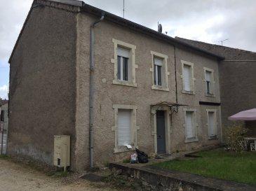 Appartement . Appartement F2 en rdc de 41.70 m2, à rénover entièrement.Cuisine, séjour, 1 chambre, salle de bains, wc. Les honoraires sont à la charge du vendeur.