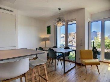 -- FR --  Superbe appartement neuf (2017) de 3 chambres exposé sud avec parquet en chêne massif  Il se compose comme suit : - un hall d'entrée avec vestiaire - un wc séparé - un séjour/ salle à manger  avec accès terrasse - une cuisine équipée avec ilot central - une suite parentale avec dressing et salle de bain - 2 autres chambres à coucher - une salle de douche avec vasque - une buanderie commune - une place de parking intérieure (au -2) - une cave privative (au -2)  A mi chemin entre le centre ville et le nouveau Ban de Gasperich avec son nouveau centre commercial cloche d'or et le nouveau lycée francais Vauban , à quelques minutes en voiture de la meilleure boulangerie de Luxembourg, du Colruyt, d'Aldi, du Boucher Renmans et d'un centre de fitness.  Une crèche est à deux pas et l'ecole du quartier est à 5-10 minutes à pied.  L'autoroute desservant la France, la Belgique et l'Allemagne n'est qu'à 5 minutes en voiture (sortie Hollerich). Ref agence :69