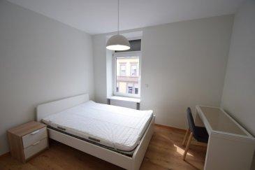 En Exclusivité ImmoHouse vous propose en location cette chambre meublée située à Differdange.  Au 1er étage d'une petite copropriété cette chambre meublée toutes charges comprises(eau, électricité, chauffage, internet, nettoyage) se compose de :  - Un lit double - Une table de chevet - Un bureau avec chaise - Une armoire  En commun: - une cuisine entièrement équipée - une salle de bain avec baignoire douche wc - un wc séparé - une buanderie avec machine à laver - un espace rangement  Informations: -Disponibilité : 01/05/2021 -garantie : 1 mois de caution -frais d'agence : 1mois plus TVA