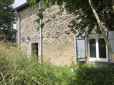Maison à rénover ou grange selon besoin. Toiture en bon état. Proximité RN4