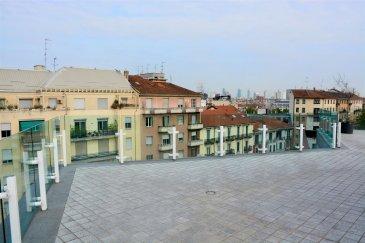 Magnifique penthouse en vente au 7e et 8e étages d\'une nouvelle construction à Porta Romana, à Milan.<br><br>L\'appartement est directement accessible par ascenseur, est organisé sur deux niveaux : au 7e une unité d\'habitation avec une terrasse de 150m2 et au 8e une terrasse panoramique de 150m2.<br><br>La propriété est en état de construction, se compose d\'une entrée, salon, salle à manger et cuisine, trois chambres à coucher, dont une ensuite avec dressing, et deux salles de bain additionnelles. <br><br>Une cave est aussi vendue avec le penthouse.<br><br>Les finitions pour les sols, les portes et les salles d\'eau seront choisies par l\'acquéreur suivant cahier de charge. <br><br>L\'appartement offre une classe énergétique A avec des prestations de chauffage et refroidissement au sol.  <br><br>- IT -<br><br>Stupendo attico in vendita al 7° piano di un palazzo di recente costruzione in zona Porta<br>Romana.<br><br>La proprietà, a cui si accede direttamente dall\'ascensore, si sviluppa su due piani: al 7° troviamo l\'appartamento con un terrazzo di circa 150mq e all\'8° piano un ulteriore terrazzo di 150mq.<br><br>Internamente l\'immobile, che è allo stato di rustico avanzato, è composto da un ingresso, la zona giorno con living, area pranzo e cucina, la zona notte con tre camere da letto, di cui la master con cabina armadio e bagno en suite, ed ulteriori due bagni. Completa la proprietà una cantina.<br><br>Le finiture quali pavimenti, porte e bagni saranno scelte dall\'acquirente in base al capitolato.<br><br>L\'appartamento è in Classe Energetica A con riscaldamento e raffreddamento a pavimento.<br>Nello stabile sono disponibili alcuni box.<br><br /><br />Wunderschönes Penthouse zum Verkauf im 7. und 8. Stock eines Neubaus in Porta Romana, Mailand.<br><br>Die Wohnung ist direkt mit dem Aufzug erreichbar, ist auf zwei Ebenen organisiert: im 7. Wohnblock mit einer Terrasse von 150m2 und auf der 8. Panoramaterrasse von 150m2.<br><br>Das Anwesen ist im Bauzustand, 