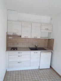 1 pièce + cuisine - 24.26 m2.  Appartement une pièce + cuisine de 24.26 m2 situé au troisième étage d\'un immeuble rue du Général Fabvier à Nancy. Il comprend une entrée, une pièce principale, une cuisine (kitchenette + 2 plaques, hotte, réfrigérateur), une salle d\'eau, WC.<br> Chauffage individuel électrique.