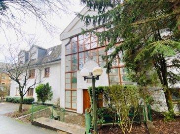 Sublime appartement à Dudelange   - Hall d'entrée - Spacieux salon / living avec cheminée - Cuisine équipée avec accès terrasse - 3 chambres à coucher - Salle de bains ( douche+baignoire) - WC séparé  - Accès de l'appartement a un grand grenier  - Garage pour 1 voiture (BOX FERMER 18m2) - Possibilité de louer un deuxième garage (BOX) - Buanderie commune  - Grande cave (7,44m2) - Jardin commun  Situation agréable et tranquille À proximité : centre-ville, école, crèche, maison relais, commerces, accès autoroute, arrêt de bus et forêt.  Nous vous invitons à nous contacter; Tèl: +352621216646  Les surfaces et superficies sont indicatives