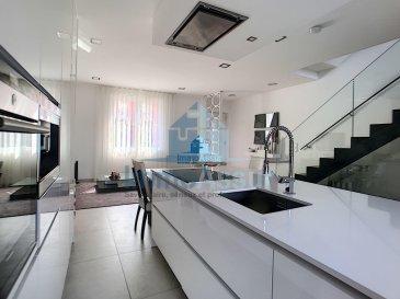 !!!! Sous compromis !!!! ImmoAssur vous propose en cette  belle maison  située à Schifflange.  Complétement rénovée  sur deux niveaux avec une superficie habitable de  /-130m2 sur un terrain de 4.2ares. Maison rénovée avec standing et des finitions modernes, vous serez séduit par la qualité des matériaux utilisés.  La maison se compose comme suit:  Au rez de chaussée:  - Espace entrée,  - Living ouvert  sur une belle cuisine complètement équipée, le tout avec   /- 41 m2, accès sur une  terrasse de  - 18 m2, (possibilité d'y faire une terrasse couverte)  ainsi que  sur  grand jardin. - Wc séparé.  A l'étage :  - Hall de nuit  - Chambre à coucher équipées d'armoire encastrée sur mesure ( 14,46 m2 ) - Grande salle de bain avec baignoire, wc et meuble double vasques  ( 10 m2)  - Bureau ( peut convenir comme chambre Bébé 6,34 m2) Au 2ème étage:  - 2 chambres à coucher équipés d'armoires encastrées sur mesure (11M2 et 13,84 m2 ) - Salle de douche à finir (canalisation présente  avec 5,5m2)   Au sous- sol: grande cave, buanderie, chaufferie  et accès au jardin, wc séparé.  Parking privé extérieur devant la maison  ( pas de garage fermer)  -Dalle en béton, -Fenêtre triple vitrages avec volets électriques -Électricité refaite   -Chauffage au sol  Remarque : Quelque travaux de finition sont encore à prévoir - Façade avant et arrière  - Pose dalles de terrasse, -  Salle de douche du 2 ème étage à finir  Pour l'obtention de votre crédit, notre relation avec nos partenaires financiers (banques luxembourgeoise) vous permettront d'avoir les meilleurs conditions du marché. N'hésitez surtout pas !!!! c'est totalement gratuit.  Nous sommes aussi disponibles pour les visites le samedi. Selon la disponibilité des propriétaires.  Nous recherchons en permanence pour la vente et pour la location, des appartements, maisons, terrains à bâtir etc pour notre clientèle déjà existante. Achat par notre société aussi.  N'hésitez pas à nous contacter si vous avez un bien pour la vente ou la locati