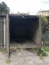 GARAGE NANCY.  A louer, garage fermé rue Henner à Nancy.<br>