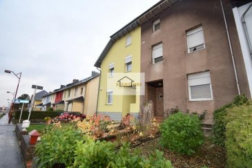 Costa Johny, votre conseiller immobilier de l'agence SARTORI à Bettembourg, vous propose cette opportunité unique à Schifflange!  Installé sur un terrain de 1.95 ares et construit en +- 1950, cette maison vous offre toutes les commodités dont vous avez besoin.  La maison est composé comme suivant: - sous-sol: un atelier, une buanderie, un local technique  -rez-de-chaussée: Un hall d'entrée vous accueille, suivi par un WC séparé, un double-séjour (37m2) ainsi qu'une cuisine équipée individuelle. L'accès au jardin se fait par la cuisine.  -1er étage: 2 chambres à coucher et une salle de douche  -2ième étage: un grenier aménageable (55m2)   Détails techniques: - jardin - garage (possibilité de construite un deuxième garage) - emplacement extérieur - dalles en bois - fenêtres double-vitrage à l'avant (1987) et simple à l'arrière - chauffage au gaz de 1995 (Buderus)  Pour plus de renseignements, n'hésitez pas de contacter Mr Costa au 621 20 83 00 Ref agence :461