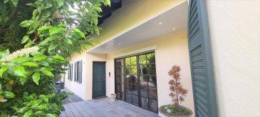 Traumhafte villa zu verkaufen, umgeben mit einer Mauer auf einem Grundstück von 2000. Schwimmbad und Sauna im aussenbereich