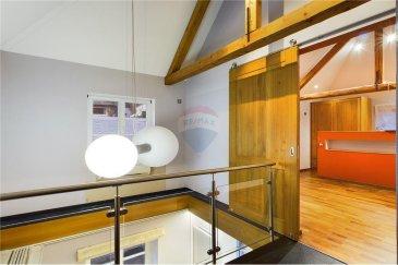 Merci de contacter notre agent Quentin Habigand pour de plus amples informations : - T : +352 661 807 562 - E : quentin.habigand@remax.lu  RE/MAX vous propose, à la vente, une maison 4 chambres à VIANDEN, libre des 4 côtés, d'une superficie habitable de 162 m². COUP DE COEUR ASSURE  LIEN DE LA VISITE VIRTUELLE 3D : https://premium.giraffe360.com/remax-select/a5d1cc2d972543a1af310f58d2d32d34/  La maison a été entièrement rénovée en 2017 et est également adaptée pour des personnes à mobilité réduite. Elle se compose comme suit :   - RDC : Hall d'entrée spacieux de 8 m² donnant sur une chambre de 15,7 m² et un WC séparé. Un ascenseur permet d'accéder au premier et au deuxième étage. Un couloir amène sur une pièce de 11,87 m² ouverte et annexée sur la cuisine. Cette dernière est entièrement équipée et ouverte sur le séjour pour une superficie de 29,41 m². Il y a un accès à la terrasse de 15 m², qui donne sur un garage fermé de 34 m².  -1er étage : L'étage dispose de 2 chambres (13,14 m² et 17 m²), d'une salle de bain aux finitions de qualité, et d'une buanderie de 3 m². Le tout est relié par un hall de 8,5 m² et un couloir de 5,8 m². Une ouverture sur plafond permet une liaison entre le couloir du premier et le séjour du rez-de-chaussée.  -2? étage : une dépendance 1 chambre (17,3 m²) donnant sur une salle de bain de 3 m² et un espace de vie de 11 m². Magnifique vue sur la forêt et notamment sur le château de VIANDEN.  Frais d'agence RE/MAX : 3% du prix à la charge de la partie venderesse + TVA