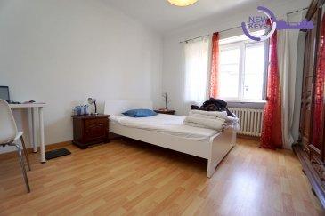 New Keys vous propose en exclusivité ce bel et lumineux appartement 2 chambres d'une surface de 74m2± avec garage, situé dans une superbe rue du quartier de Luxembourg-Bonnevoie ( Rue William Turner).  Situé au 1er étage d'une résidence de 3 unités.  Il se présente de la manière suivante:  - Un hall d'entrée (6,5 m2±). - Une salle à manger/cuisine équipée individuelle (14,5 m2±). - Un salon (15 m2±). - 2 chambres à coucher (2 x 15 m2±). - Une salle de douche (4,5 m2±).  Pour compléter ce bien:  -Deux caves privatives. -Une buanderie commune. -Un emplacement extérieur. -Un garage (20,5 m2±). -Une parcelle de jardin privative.  Proche de toutes commodités !  *Avis au investisseurs : l'appartement est actuellement loué en colocation  (3 chambres x 860e)  N'hésitez pas à nous contacter au 661 434 100 ou par mail kdif@newkeys.lu pour plus d'informations ou une éventuelle visite.  COVID: Pour votre sécurité, nos visites sont effectuées avec des masques, des gants et limitées à 3 personnes par visite.  Les prix s'entendent frais d'agence de 3 % TVA 17 % inclus dans le prix est payable par le vendeur. Ref agence : 5003610