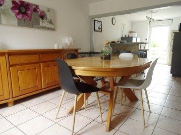 CONTZ LES BAINS Proximité Luxembourg (Schengen) et Allemagne (Perl)  Maison lorraine individuelle F5, d'env 101 m2 sur un beau terrain de 8,19 ares sans vis à vis, clos et arboré. Au rdc: une cuisine ouverte avec un accès direct a une terrasse, un séjour (poêle à bois), un dégagement, un wc, une sdb ( douche italienne ) , une buanderie. Au 1er étage: 3 chambres ( 12, 13 et 16 m2), possibilité de créer une pièce supplémentaire env 20 m2. Comble aménageable. Un sous-sol complet, comprenant: chaufferie, cave (puit). Un garage 1 vl possibilité de stationner plusieurs véhicules sur la propriété.  dv pvc chauffage fioul (bruleur neuf)+ bois  A VOIR RAPIDEMENT