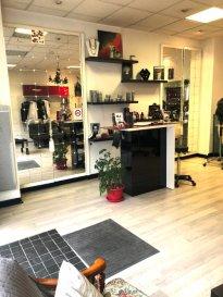 Metz, salon de coiffure. Quartier des Iles, cause départ en retraite, salon de coiffure  avec une clientèle fidèle. idéal pour des jeunes dynamiques ayant la volonté de  s'investir  et de développer l'affaire.  Faibles charges.