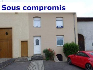 EXCLUSIF, NOUS VENDONS à ÉBERSVILLER (57320) :  A 24 km de THIONVILLE (axe Bouzonville – A 31) à moins de 30 km des frontières du Luxembourg et de L'Allemagne, à seulement 25 minutes de Metz.  Une maison mitoyenne établie sur un terrain clos de 7,06 ares. Elle offre une surface habitable de 150 m2 environ comprenant :  En rez de- chaussée : Un couloir d'entrée de 11 m2 ; Une cuisine aménagée et équipée de 15,30 m2 ; Un salon de 17,5 m2 ouvert sur un séjour de 18, 50 m2 avec cheminée éthanol murale ; Une salle de bains de 6,6 m2 avec douche, un WC séparé, de nombreux placards de rangement.  A l'étage : Un grand palier de 17 m2 pouvant servir de bureau + placard de rangement ; Trois chambres de 22,60 – 14,80 et 12,40 m2 avec accès sur la véranda SPA.  Une cave, une terrasse, un garage (porte motorisée) sur le terrain à l'arrière, directement accessible par un chemin carrossable.  ***Fenêtres en DV sur châssis PVC OB ; en bois exotique double vitrage à l'étage. ***Chauffage par chaudière au fuel ; ballon d'eau chaude électrique de 200 L. ***Relié à l'assainissement collectif. ***Toiture et charpente en très bon état. ***Internet par fibre optique.  Disponibilité à convenir.  CONTACT : Jean-Luc MEYER – Agent commercial au : 07 60 13 78 96 Ou l'agence au : 03 87 36 12 24.  Les frais d'agence sont inclus dans le prix annoncé.