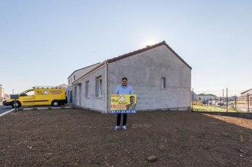 Julien de l\'agence Bon\'Appart vous propose en exclusivité cette maison individuelle  de plain-pied d\'une superficie de 89 m2 située à Ste Marie-aux Chênes. <br /><br />Cette maison vous séduira par sa vaste pièce de vie de 45m2 donnant accès sur une terrasse et jardin, ses 3 chambres de 10m2 environ ainsi qu\'un salle de bain spacieuse avec baignoire et douche italienne. <br /><br />Le terrain est d\'une superficie de 5 ares 73. <br /><br />Vous souhaitez plus de renseignement  ' <br /><br />Julien RICCIARDIELLO au 07 71 22 03 05 <br />Négociateur immobilier chez Bon\'Appart depuis 7 ans <br />Disponible pour vous aider dans vos projet d\'achat comme de vente. <br />Bon\'Appart - 4 agences ( Joeuf / Ste Marie-aux-Chênes / St Privât-la-Montagne / Trieux )