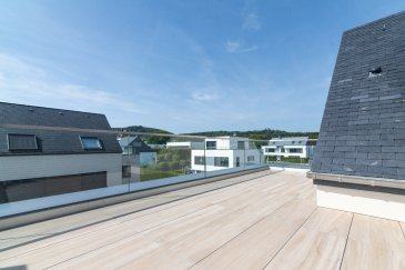 Une maison pratique et agréable à vivre grâce à des détails bien pensés, des innovations à la pointe et certaines prestations haut-de-gamme tout en respectant l'environnement ,construite en 2014, se situe dans un cadre agréable et calme dans le village de Munsbach, sur la commune de Schuttrange.  Bâtis sur un terrain de ± 8,35 ares, elle bénéficie d'une superficie totale de ± 208 m² habitables. Cette maison contemporain bi-familiale, située dans une impasse au sein d'une zone résidentielle entourée de verdure, se compose comme suit : Au rez-de-chaussée : un hall d'entrée de ± 10m², un débarras de ± 4m², un séjour et une salle à manger de ± 20m² donnant sur une terrasse de ± 7m² avec son. L'ensemble présente également une cuisine équipée et lumineuse de ± 19m², un garage pour 2 voitures, un dépot de ± 6 m² pour les outils de jardin.  Au 1er étage : un palier de ± 7 m² dessert 2 chambres de ± 13 m² chacune, une salle de bain de ± 7m², une suite parentale de ± 17 m² avec un dressing et une salle de bain de ± 7m² avec bain/douche. Un wc séparé de ± 2m² et un débarras de ± 5m² complètent le 1er étage. Au 2ème étage : un hall de nuit ± 3m² mène vers une chambre de ± 12 m² avec une salle de douche de ± 3 m² donnant sur une magnifique terrasse de ± 20 m².  Généralités : Triple vitrages ; Volets électriques ; Alarme ; Multiples placards ; Chauffage au sol par géothermie ; Robot de jardin ; Contrat d'entretien avec jardinier ; Environnement calme et cadre de vie agréable;  Loyer: 3 900€ Charges: 150€ Disponible à partir du 15 décembre 2021  Agent responsable: Muzalia Sarah N°: +352 621 748 117
