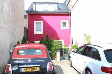 !!!!!!!!!!!!!!!!! Charmante maison à saisir absolument !!!!!!!!!!!!!!!!!!!<br><br>ImmoNordstrooss à l\'honneur de vous presenter cette charmante maison de 150 m2 habitable , proche de toutes commodités avec deux entrées séparées, accès des deux rues parallèle avec jardin .<br>Cette maison se compose comme suit :<br><br>RDCH<br>- Hall d\'entrée <br>- Cuisine équipée <br>- Living /Salle à manger<br>- Une chambre<br>Premier Étage<br>- Une Chambre<br>- Un grand living<br>- Une grande salle de bain<br>Deuxième Étage<br>- Trois chambres<br><br>Une cave , deux emplacements extérieurs complètent parfaitement ce bien.<br>Toitures / Chauffages / Installation Eau refaites en 2012.<br>Parcelle des emplacements voitures constructible.<br><br>Pour plus de renseignements ou une visite (visites également possibles le samedi sur rdv), veuillez contacter le 691 238 008.<br>