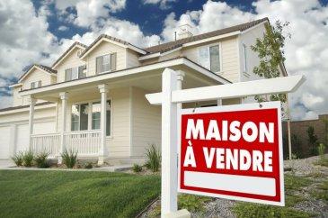 Absolument à voir!!! Magnifique maison avec la piscine!!!! A VENDRE!!!  Garage pour deux voitures.. Quatre emplacements !!!  Pour plus des informations contactez nous...