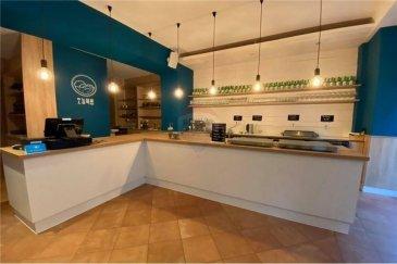 Veuillez contacter Felice Capraro pour de plus amples informations : - T : +352 621 251 398 - E : felice.capraro@remax.lu  RE/MAX, Spécialiste de l'immobilier, vous propose ce fonds de commerce, en plein centre-ville du Luxembourg.   Le restaurant est très bien localisé et se compose sur 2 étages avec une surface de 270 m², cuisine entièrement équipée avec chambre froide, monte-charge pour les plats et tous les équipements nécessaires.  Loyer de 7700 euros  Charges de 1000 euros  Frais d'agence RE/MAX : à charge de la partie venderesse