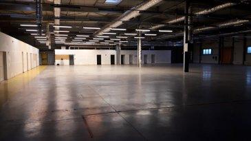 A LOUER - FAMECK Proximité réseaux routiers  ENSEMBLE IMMOBILIER INDEPENDANT NOMBREUX STATIONNEMENTS  Sur un terrain de près de 10.000 m2, 1.910 m2 d'entrepôt chauffé- hauteur sous ferme de 7.50m et 415 m de bureaux.  Le tout en excellent état.  2 portes sectionnelles + 2 portes à QUAIS à l'arrière, aire de stationnement poids lourds,  Aire de retournement...  LOYERS EXPRIMES EN HORS TAXES. Pour visite, nous consulter.  Agence ne percevant pas de fonds.