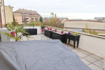 Schifflange appartement avec terrasse, moderne et lumineux sis dans une rue calme.<br><br>Il se compose d\'une belle et spacieuse terrasse, d\'un séjour et d\'un bel espace-repas ainsi que d\'une cuisine équipée entièrement agencée, deux chambres, une salle d\'eau et un Wc séparé.<br><br>Un garage box fermé, un emplacement extérieur complète l\'appartement ainsi qu\'une cave.<br><br>Pour toutes questions ou demandes d\'informations, n\'hésitez pas à nous contacter, nous serons toujours à votre service.<br><br>Agence ELSA\'HOME à votre écoute pour la concrétisation de vos projets en toute confiance.
