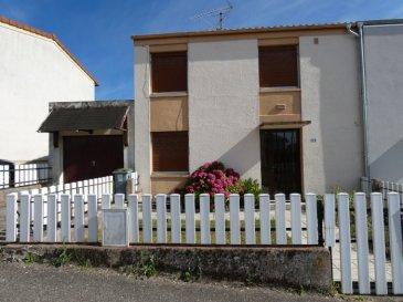 Nous VENDONS  au 8 de la rue du Docteur SCHWEITZER à BOUZONVILLE (Moselle),  Une maison mitoyenne d\'un seul côté établie sur un terrain clos et arboré de 2,25 ares.  Elle offre une surface habitable de 86 m2 en plain-pied et étage, avec :  Un salon et séjour avec accès à une terrasse carrelée et couverte orientée Sud-Est. Une cuisine séparée avec accès à cette même terrasse. Trois chambres de 13,80 – 11,99 et 10,13 m2 Une salle d\'eau fraîchement rénovée avec sa douche à l\'italienne. Un cellier Toilettes séparées.  L\'ensemble sur un sous-sol complet.  Garage séparé pour le stationnement de deux véhicules en alignement.  *** Double vitrage PVC OB *** Chauffage central au gaz naturel. *** Taxe foncière de 468 €  LE BIEN EST IMMEDIATEMENT DISPONIBLE   CONTACT :  Gérard STOULIG – Agent commercial au : 06 03 40 33 55.  NB : Les frais d\'agence sont inclus dans le prix annoncé.