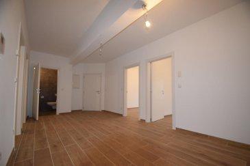 *** Cabinet de médecine ***  SARTORI, agence immobilière à Bettembourg vous propose en location ce magnifique local pour un cabinet de médecine situé au premier étage, avec ascenseur, dans résidence très bien soignée à Oetrange.  Le local se compose d'un superbe hall d'entrée pour l'accueil de 18,48 m2, de quatre pièces de 9,69 m2, 10,80 m2, 14,63 m2 et 15,87 m2 dont deux avec accès à la paisible terrasse et d'une splendide salle de douche de 3,28 m2.   Vous disposerez aussi d'une cave privative et d'un buanderie commune.  À savoir que dans l'immeuble vous trouverez un cabinet dentaire, un cabinet de cardiologie et un Kiné.  Pour plus de renseignements, vous pouvez prendre contact avec Madame Batista au 691 905 150. Ref agence :270