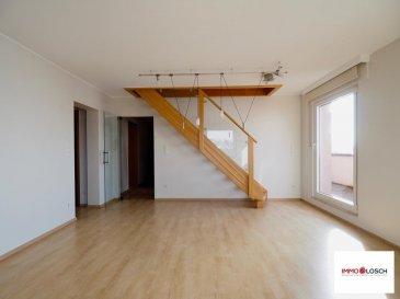 Bel appartement de 104m2 à louer au centre de Bertrange<br><br>Hall d\'entrée - cuisine individuelle - salon - 2 chambres à coucher - salle de douche - salle de bain - bureau - 2 balcons - cave - buanderie - emplacement intérieur<br><br>Proche des magasins et arrêts de bus<br><br>Disponible pour le 01.03.2018<br><br>2 mois de caution : 3300 €<br>Frais d\'agence : 1930,50 € ttc 17%<br />Ref agence :1212978