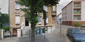 YUTZ -centre, dans bel immeuble de ville, Garage de 15 m2 , le garage est loué actuellement 45 euros par mois à locataire stable et sérieux, PRIX : 10 000 euros AGENCE KLAA 8 rue Girardet NANCY 06 80 44 77 95