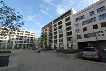 Appartement neuf se situant au premier étage d'un immeuble de 8 unités construit en 2017 dans une rue calme au coeur de Gasperich, - Situation idéale, proche de toutes commodités: école arrêt de bus; - proche de l cloche d'or.  Cet agréable appartement traversant d'une surface de  /-77m² se compose comme suit:   Une d'entrée donnant sur un séjour ouvert sur une salle à manger, cuisine aménagée et équipée avec îlot central avec en plus une sortie sur une terrasse idéal pour passer de bon moments.    La partie nuit se compose comme suite: une premier belle chambre de  /- 13m² avec un balcon, une deuxième chambre de  /- 12m² ainsi qu'une salle de douche.    Au sous-sol, un emplacement intérieur, une buanderie commune ainsi qu'une cave.    Pour plus de renseignements ou une visite (visites également possibles le samedi sur rdv), veuillez contacter le 691 850 805.